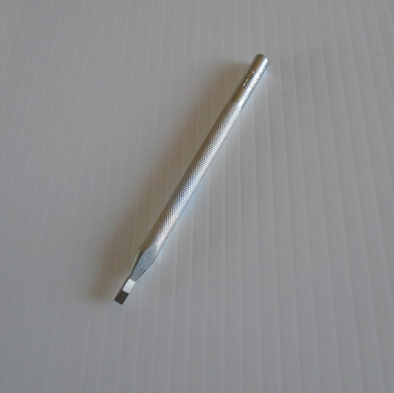 Tandy leather crafting single prong chisel, 1/8th inch. Craftool 8044 Tandy 8044-00. Never used.