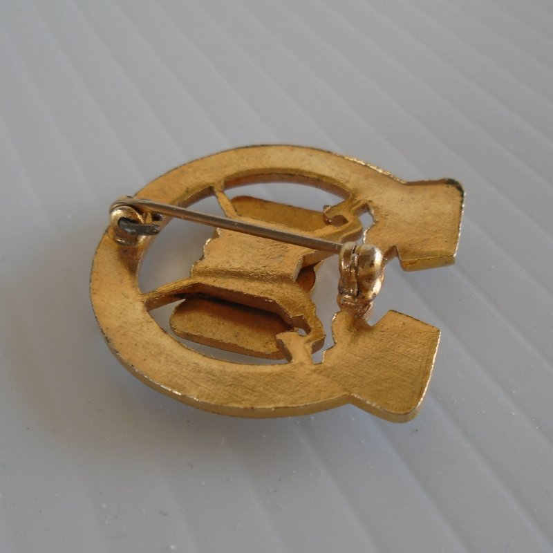 7th US Army Infantry pre WWII pin back DUI insignia pin. Volens ET Potens logo. Estate purchase.