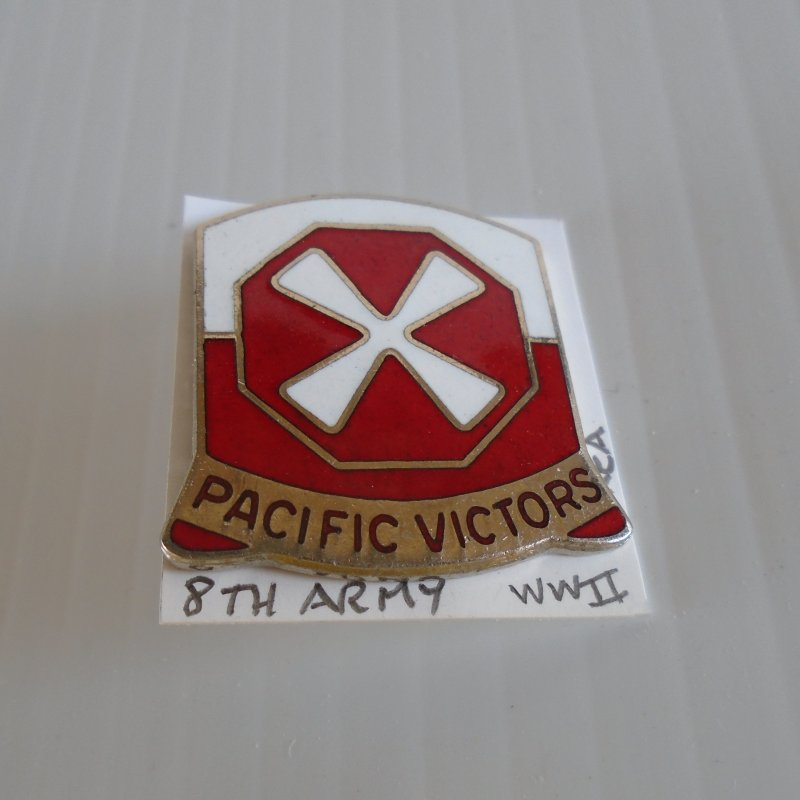 8th US Army WWII and Korea era DUI insignia pin. Pacific Victors logo. Estate purchase.