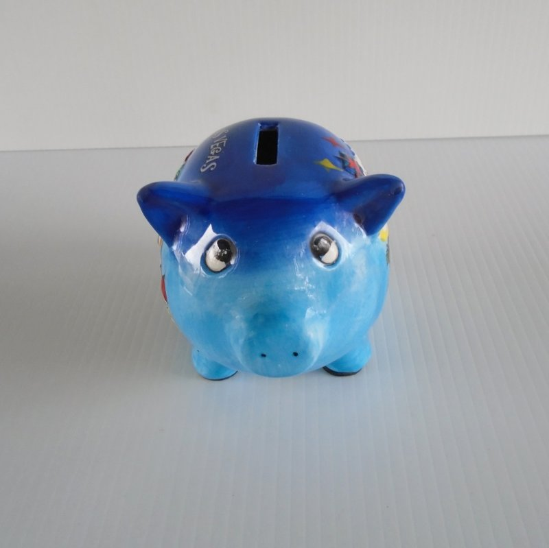 Hand painted Las Vegas pig piggy bank. Casino and gaming theme. Estimated date of 2003. In like new excellent condition.