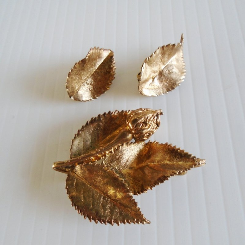 Tilia Danmark Flora Danica leaf design brooch and earring set. Circa 1960s. Gold coated sterling silver Royal Flora Collection. Estate find.