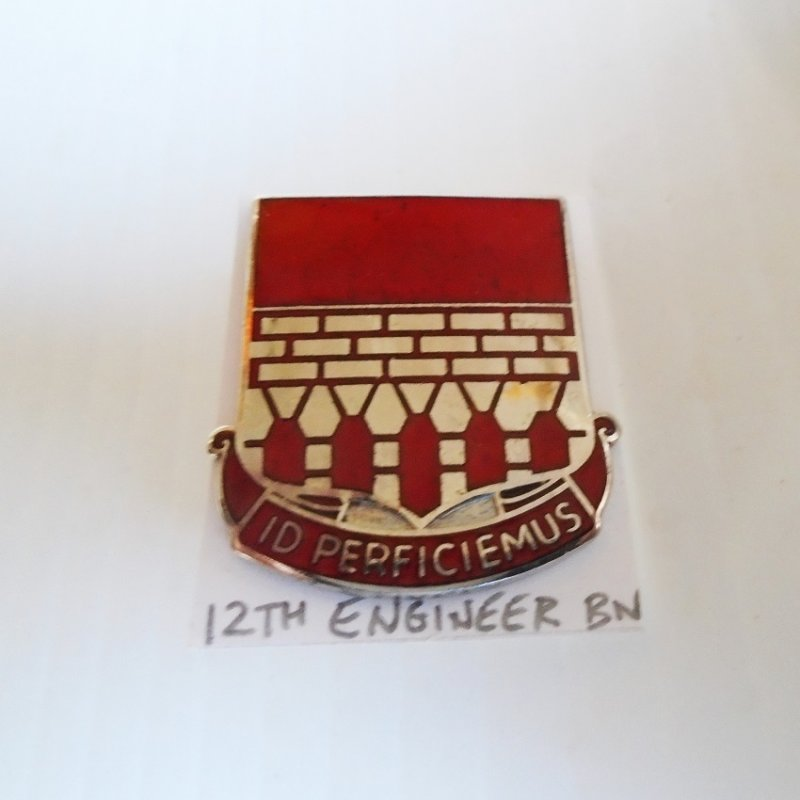 12th US Army Engineer Battalion ID Perficiemus DUI insignia pin. Estate purchase
