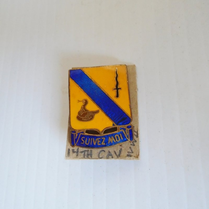14th US Army Cavalry Regiment DUI insignia pin. Has 'Suivez Moi' Motto. Dates between WWI to WWII timeframe.