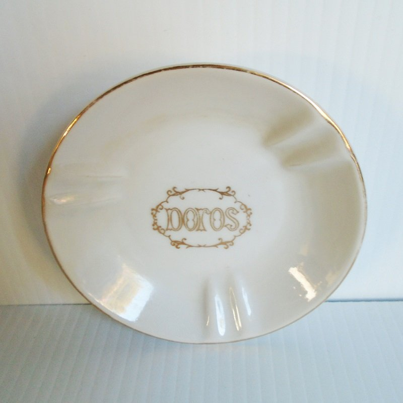 Doros Restaurant San Francisco ashtray or trinket dish. Stated to be 1960s. Now closed. Estate sale find.
