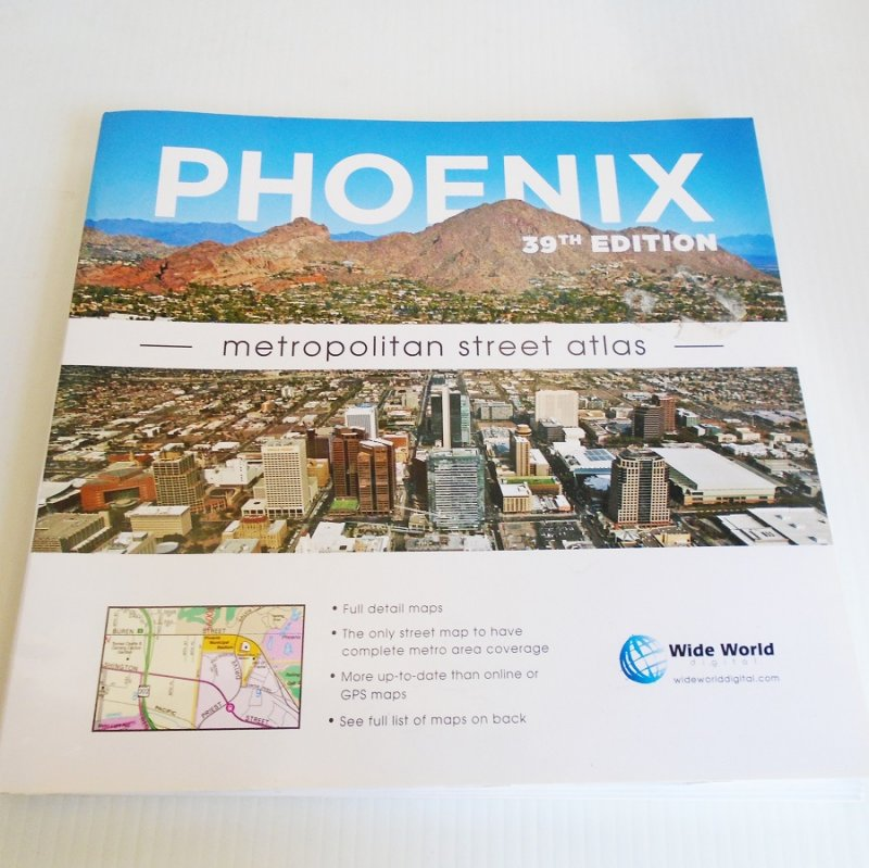 Phoenix Arizona street atlas. Includes many nearby communities. 39th edition