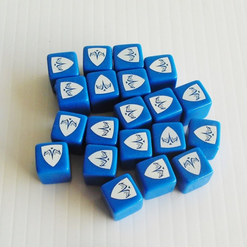 Heroscape Rise of the Valkyrie. Blue Defense dice. 20 pcs. Hasbro 2004