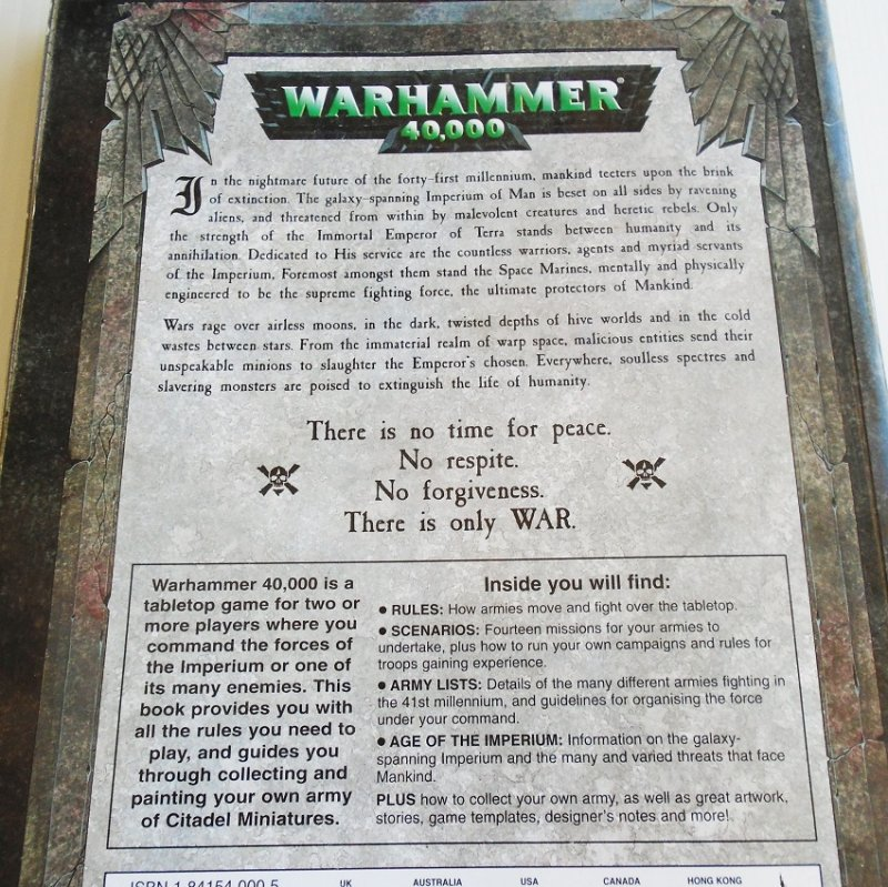Warhammer 40,000 40k game book. Rules, guides, army lists, color photos. Magic, Scenarios, appendix. 288 pages. Pre-owned.
