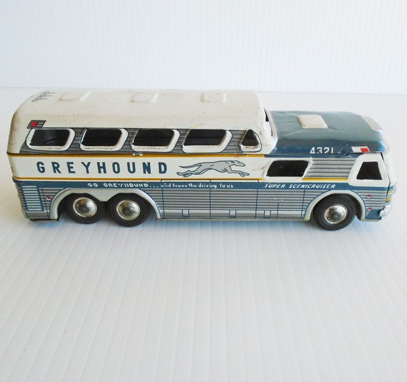 Vintage 1960s Tin Litho Greyhound Scenicruiser Scenic Cruiser Bus. Made in Japan. Very good condition. Estate purchase.