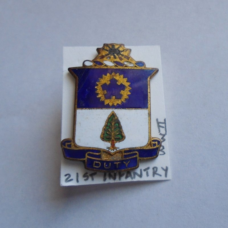 21st U.S. Army Infantry DUI insignia pin. Stated to be WWI-WWII time frame. Has