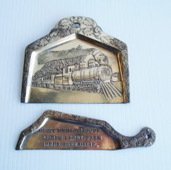 Knotts Berry Farm Silent Butler, Crumb Tray. 2 pc set
