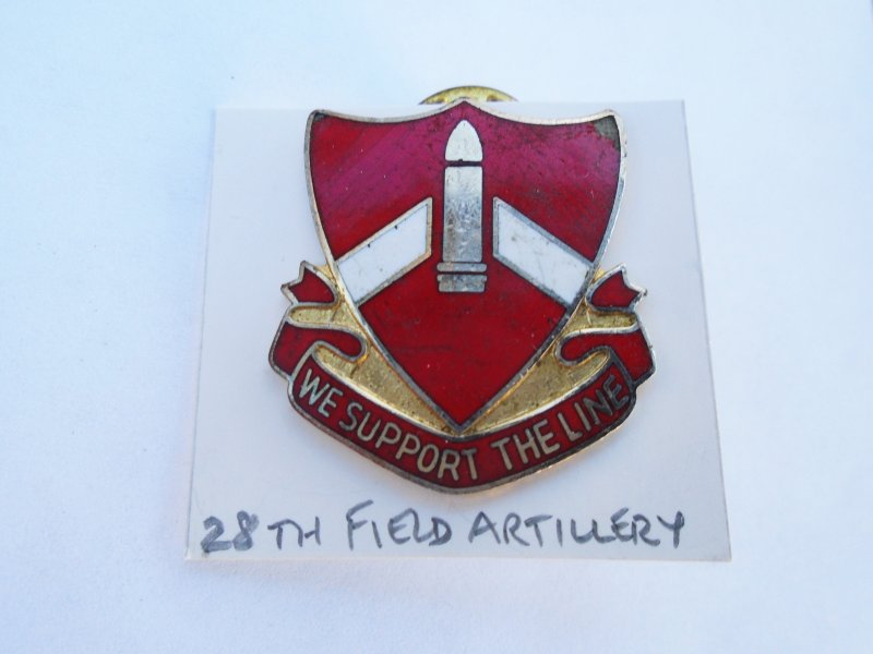28th U.S. Army Field Artillery DUI Insignia Pin. Has