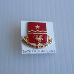 30th US Army Field Artillery DUI Insignia, Striving Highest