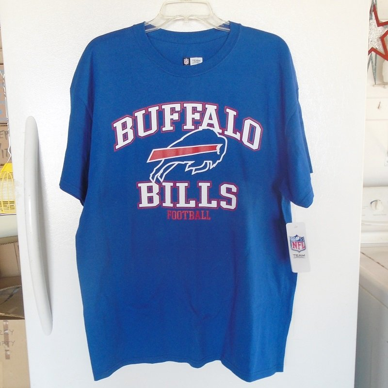 Buffalo Bills NFL Football T shirt, New Never worn, NFL Authorized, size XL
