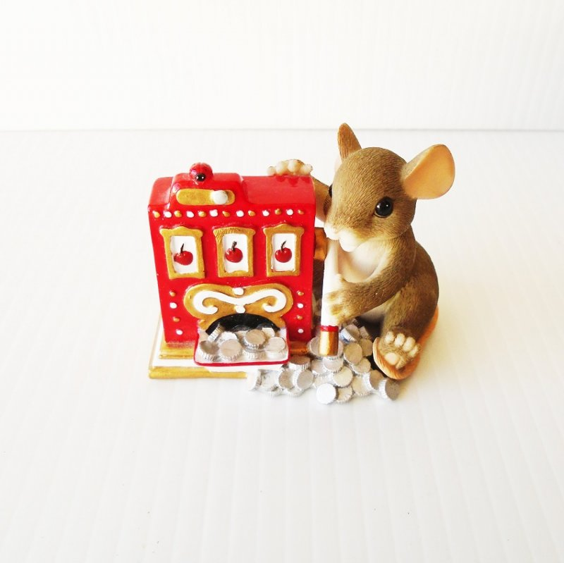 Charming Tails by Fitz and Floyd figurine of mouse playing slot machine. Titled Jackpot. Limited edition.