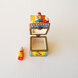 '.Clown w/ baby trinket box.'
