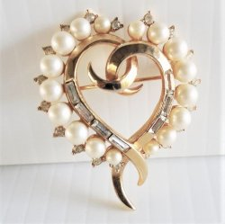 Crown Trifari Heart Shape Pin Brooch, Vintage 1953
