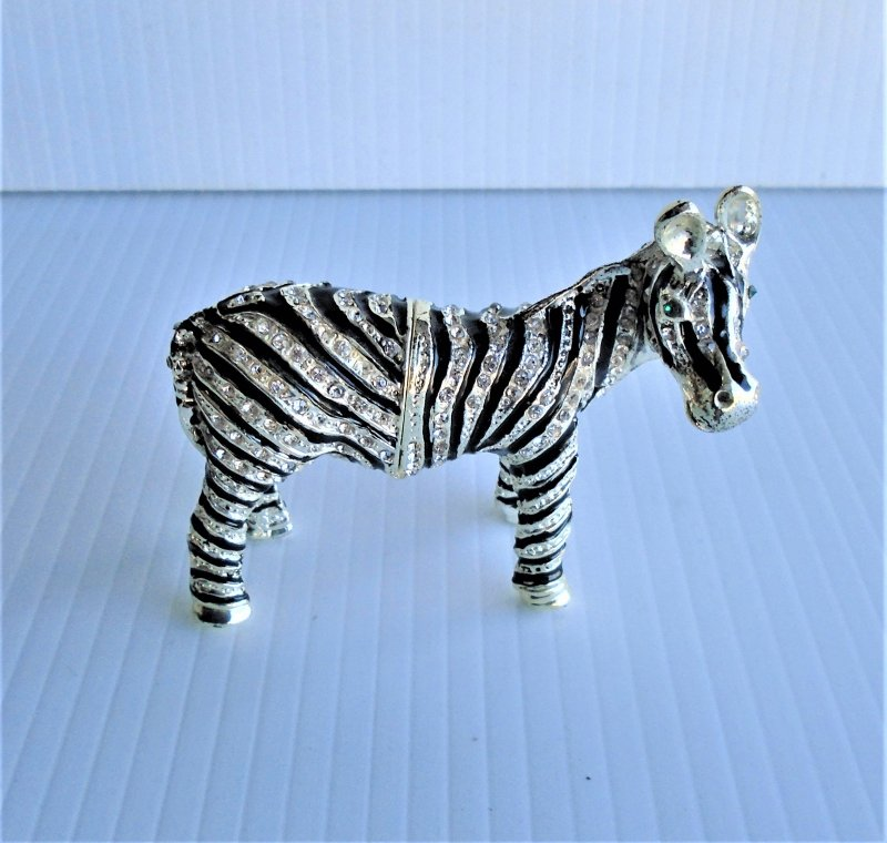 Zebra hinged enameled trinket box titled 'Stripes'. Austrian crystals and enameled with European lacquers. Objet d'Art #69