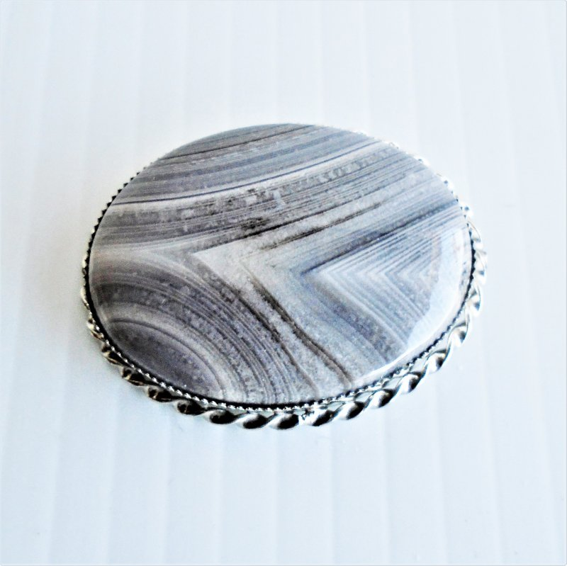 Gray agate brooch, 1.25 by 1.75 inch. Estate find.