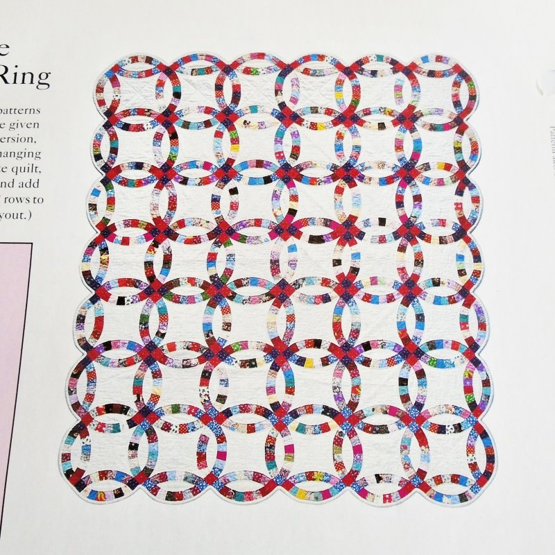 Double Wedding Ring quilt pattern. Actual size templates included. From Best Loved Quilt Patterns Series