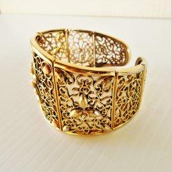 '.Floral design cuff bracelet.'