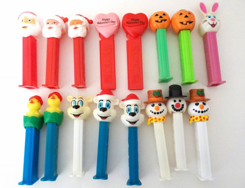 PEZ Holiday Lot of 16