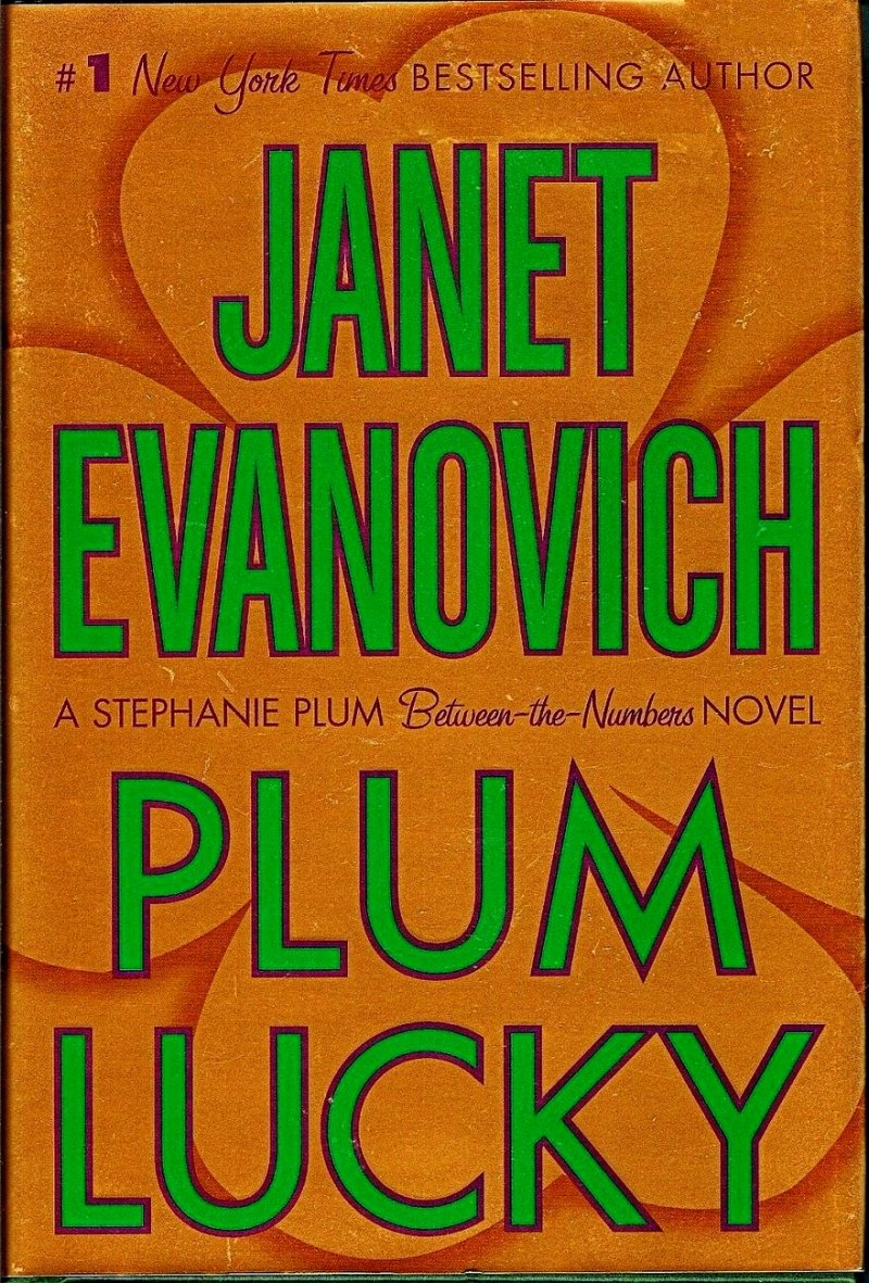 Stephanie Plum Between the Numbers by Janet Evanovich 1st ed HC 2007