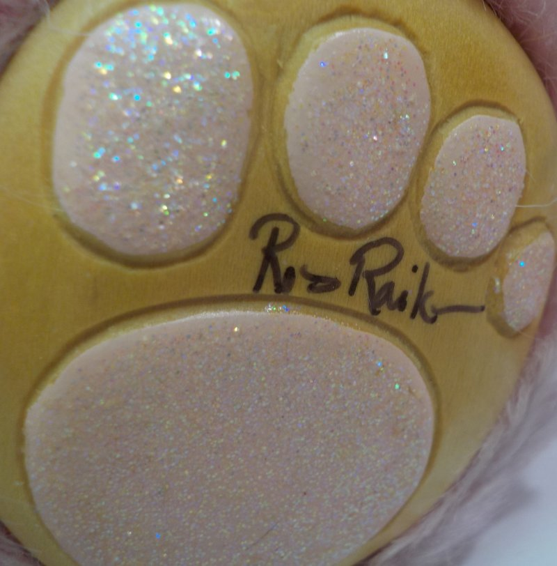 Robert Raikes Collectible Bears 2000 hand signed right foot
