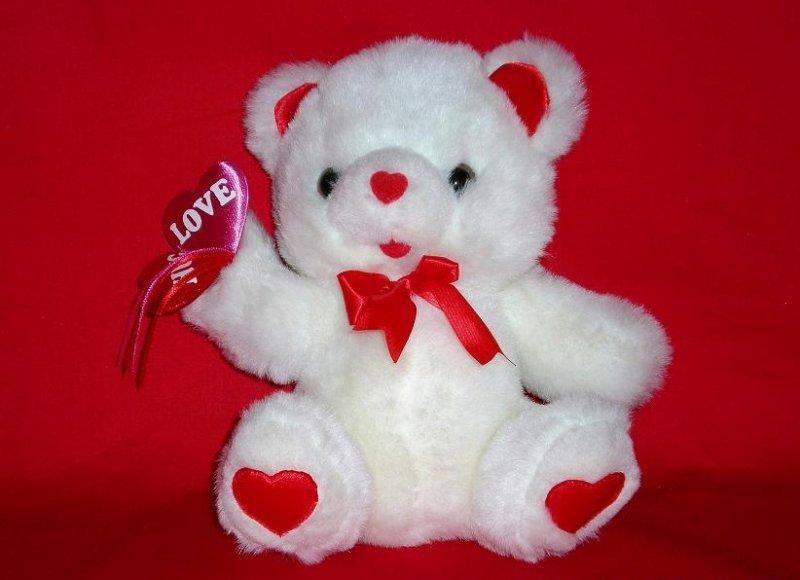 Hug Hearts 1995 Valentine Bear