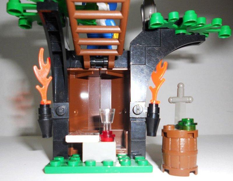 Image 1 of Lego Magic Shop Castle Set 6020 Dragon Master Majisto 1993