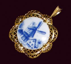 Pendants of the World The Bareuther Pendant Bavaria Germany