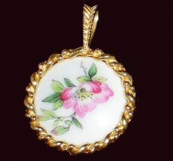 Pendants of the World The Haviland Pendant France