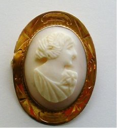 Pink Shell Cameo Brooch 10 kt gold setting 1930s vintage