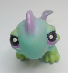 Littlest Pet Shop Iguana #366 green w/purple eyes and shimmer loose pet