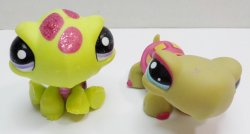 Littlest Pet Shop Turtle #1310 and glitter Turtle 2234 loose lot of 2