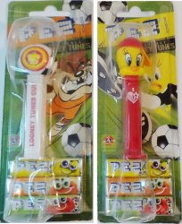 PEZ Looney Tunes Sports 2006 Soccer/football & Tweety in Greek, Carded
