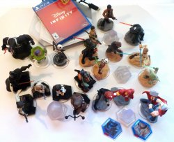 Disney Infinity Bundle Star Wars and Marvel Playsets characters PS4 3.0 game