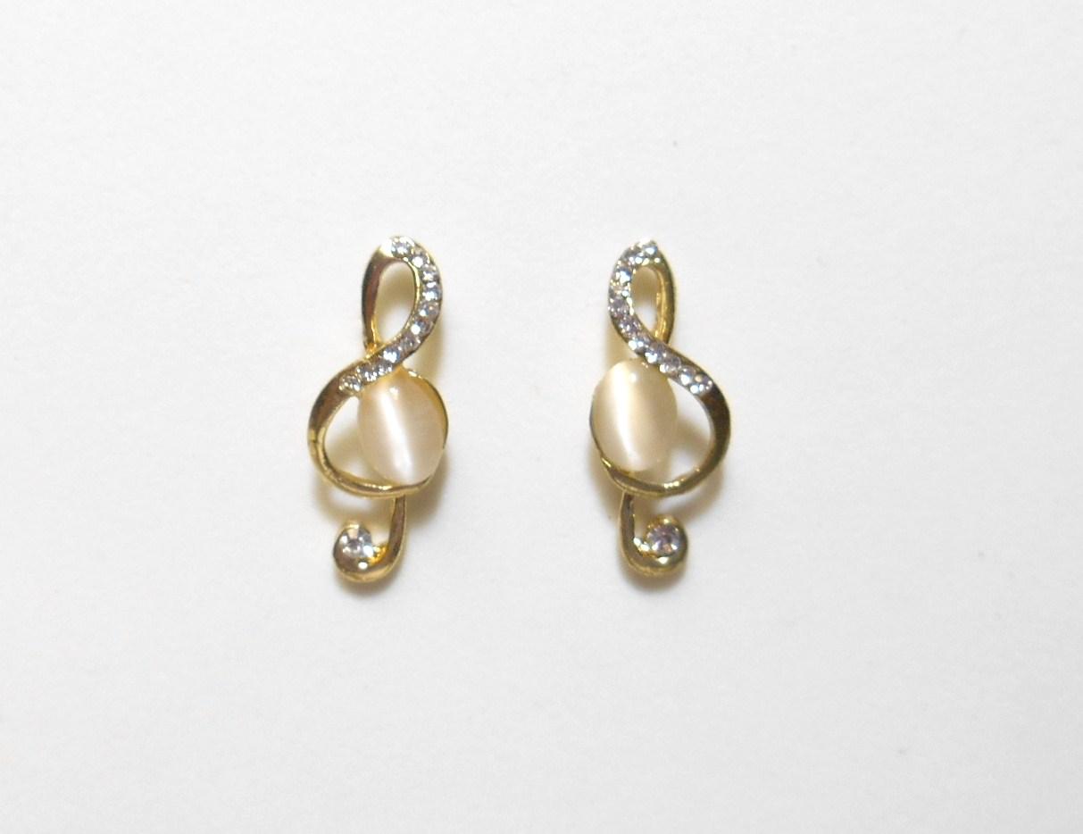 '.White Music Earrings.'