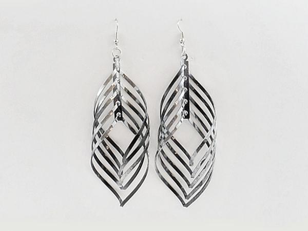 '.Black Spiral Dangle Earrings.'