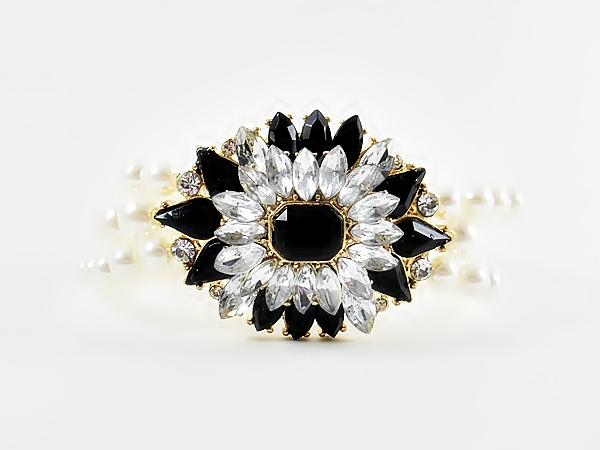 Crystal and Black Star Flower Pearl Stretch Bracelet