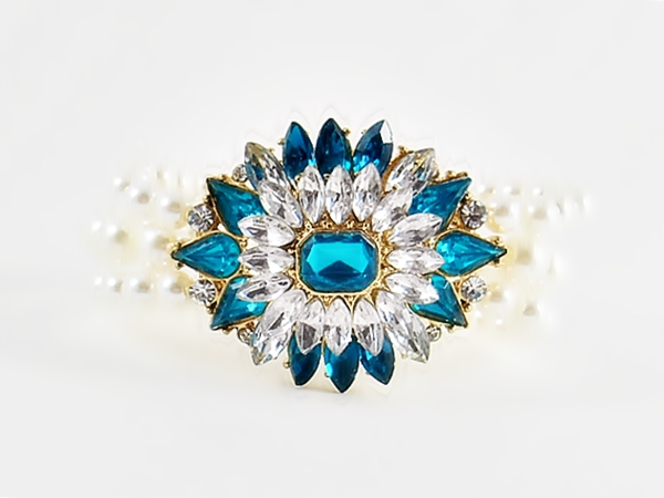 Crystal and Teal Blue Star Flower Pearl Stretch Bracelet