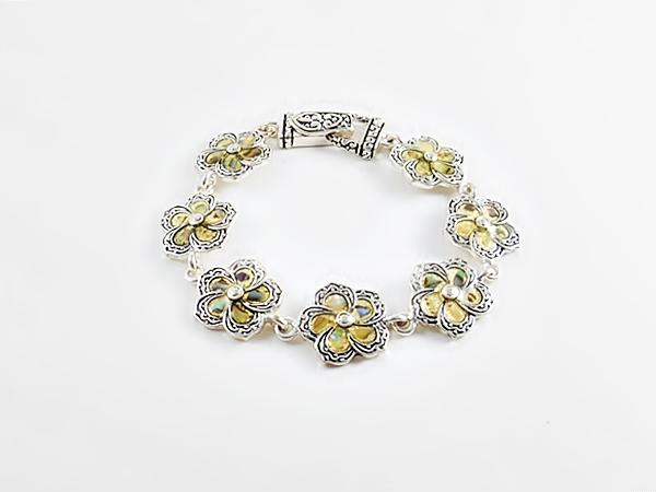 '.Flower Link Bracelet.'