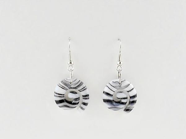 '.Black Stripe Dangle Earrings.'