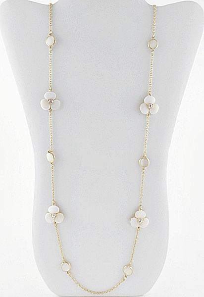 '.White Shell Flower Necklace.'