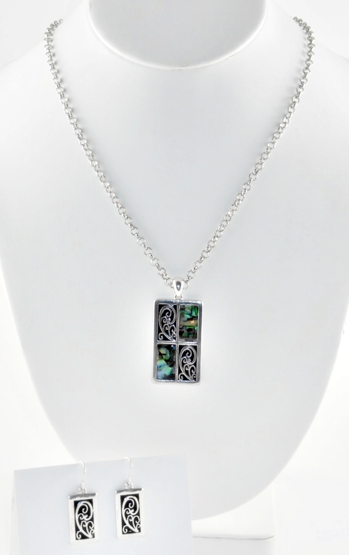 '.Abalone & Silver Necklace Set.'