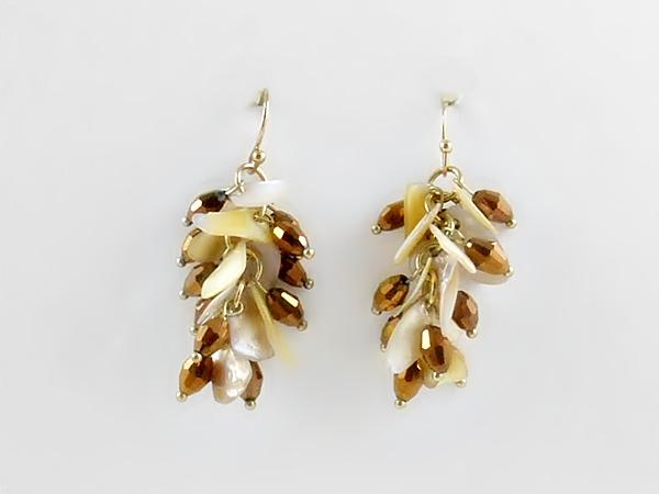 '.Shell Cluster Dangle Earrings.'