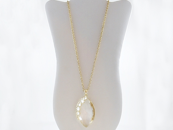'.Clear Gem Stone Necklace.'