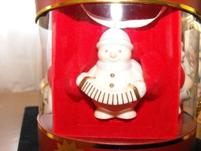 Image 3 of Lenox Ornaments Snowman Standabouts Set 5 2004 Mint in Original Box