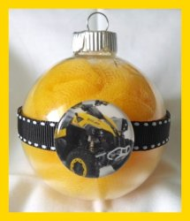 4 Wheeler Quad Round Ornament #A9 Glass or Plastic (choose image and colors)