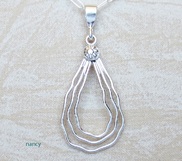 Image 0 of  Curvy Sterling Silver Wire Pendant Murphy Platero Navajo - 2498sn