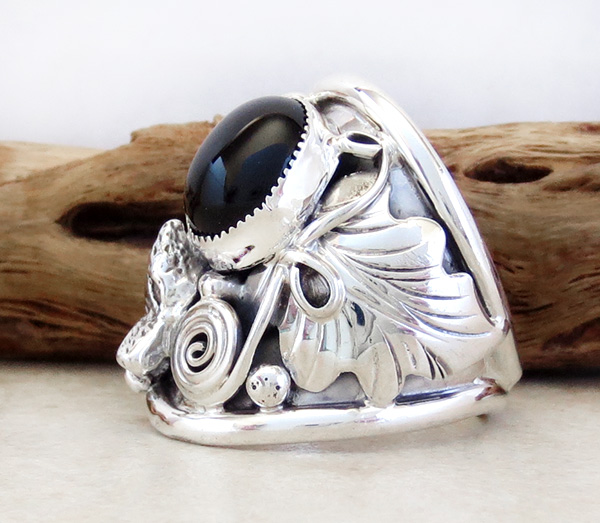 Image 2 of    Black Onyx & Sterling Silver Wolf Ring Size 11 Native American - 3241rb